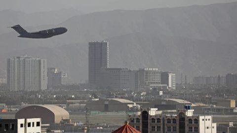 Tisíce teroristů ISIS uprchly zvězení, americké letectvo zaútočilo na vozidlo vAfghánistánu