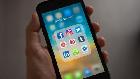 ČR: Budou politici prosazovat zákon nutící globální platformy ke zdůvodňování omezení služeb uživatelům? (odpovědi)