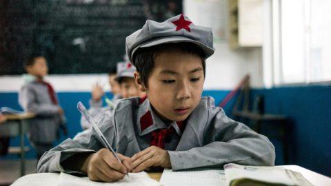 """Čínská komunistická strana se chystá indoktrinovat školáky """"Si Ťin-pchingovým myšlením"""""""
