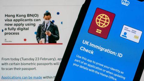 Čínští špioni se pokoušejí dostat do Británie na hongkongská víza, píše britský deník