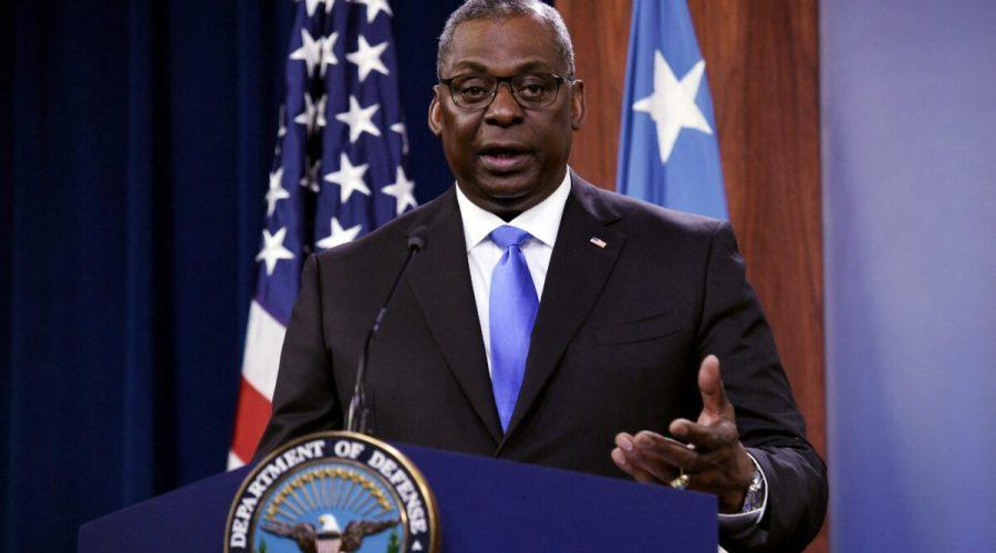 Ministr obrany Lloyd Austin na tiskové konferenci v Pentagonu ve Washingtonu, 21. července 2021. (Olivier Douliery / AFP via Getty Images)