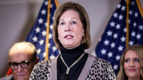 Soudkyně Powellová uložila sankce devíti právníkům Trumpovy kampaně kvůli povolebním žalobám