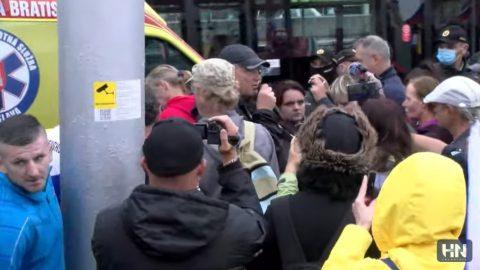 V Bratislavě se protestuje proti epidemickým opatřením (on-line přenos)