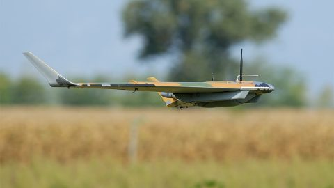 Drony: Když se hračky stanou vojenskou technologií