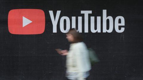 """YouTube na své platformě zakázal veškerý """"škodlivý obsah týkající se očkování"""""""