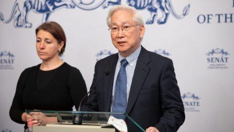 Tchajwanský ministr vědy atechnologií jednal sčeskými experty na kybernetickou bezpečnost