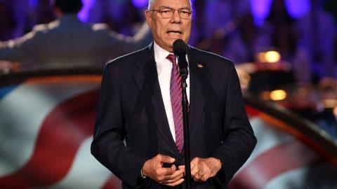 Zemřel bývalý americký ministr zahraničí Colin Powell. Podlehl komplikacím vsouvislosti scovidem