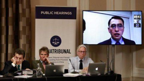 Každý, kdo jedná sčínskými představiteli, by si měl být vědom toho, že jedná se zločinným režimem, říká londýnský tribunál