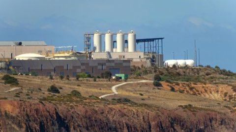 Uhelné elektrárny vČR nadále spalují uhlí, ale jejich elektřina se vyváží do zahraničí, říkají ochránci