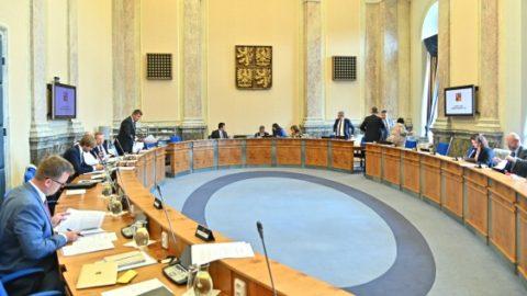 Vláda sodůvodněním odmítla novelu transplantačního zákona. Piráti se ptají, jak vláda bojuje proti obchodu sorgány